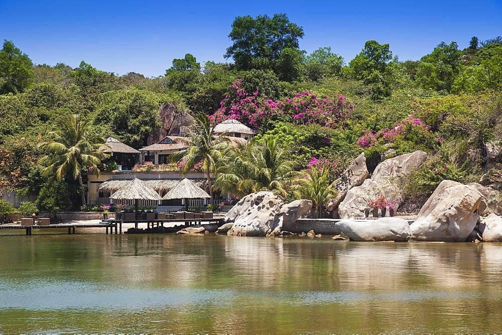 Bungalows, Resort Ngoc Suong in Cam -Ranh Bay, South China Sea, Nha Trang, Vietnam, Asia