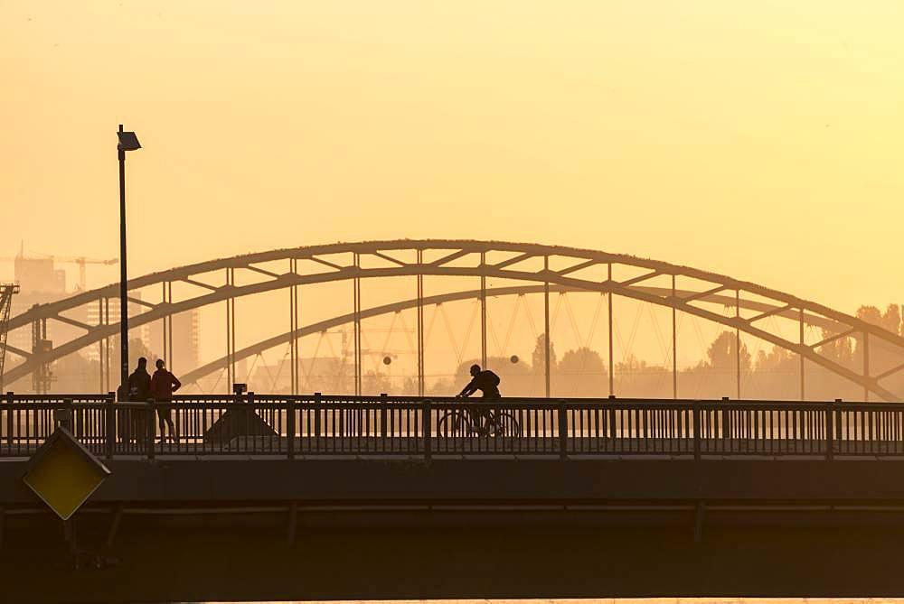 Osthafenbruecke, Sunrise, Frankfurt am Main, Hesse, Germany, Europe
