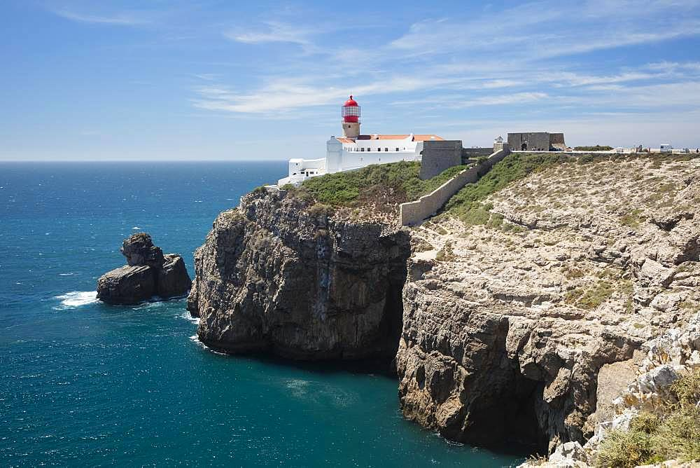 Lighthouse at steep coast, Cabo de Sao Vicente, Cape Sankt Vinzenz, southwest point of Europe, Algarve, Portugal, Europe