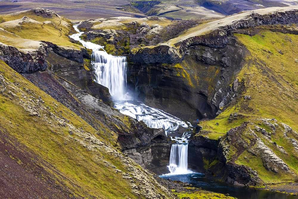 Ofaerufoss Waterfall in the Eldgja Gorge, Fjallabak Nature Reserve, Sudurland, Southern Iceland, Iceland, Europe