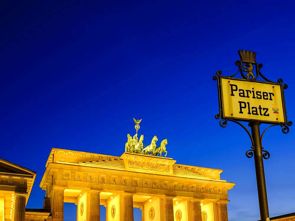 Brandenburg Gate at dusk, Berlin, Germany, Europe