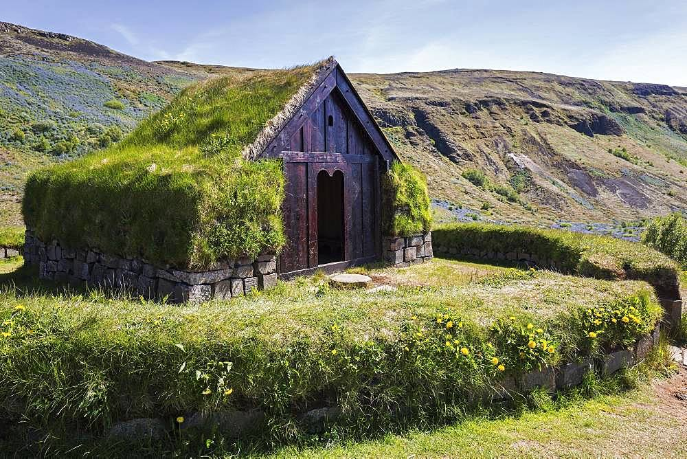 Open-air museum, reconstructed building of the historic farm Stoeng in the Pjorsa Valley, South Iceland, Iceland, Europe