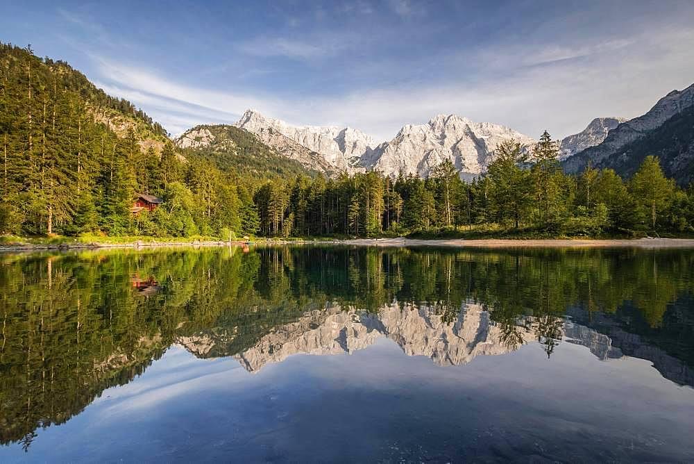 Kleiner Oedsee, Totes Gebirge with mountain Grosser tidal creek, Gruenau in Almtal, Salzkammergut, Upper Austria, Austria, Europe