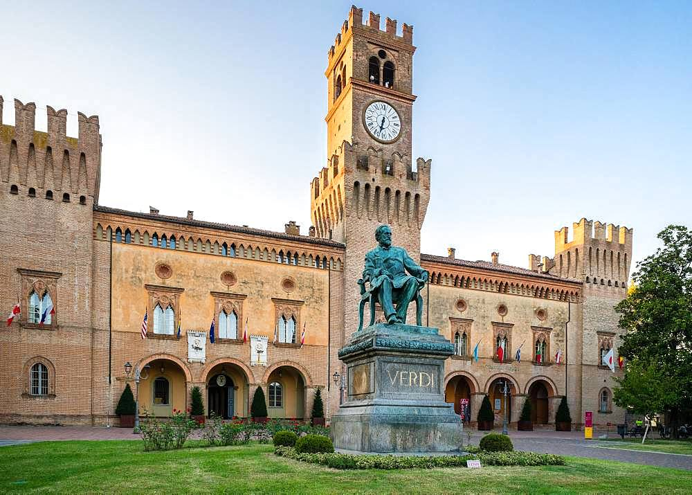Verdi Monument in front of Rocca Pallavicino with Opera House Teatro Guiseppe Verdi, Busseto, Province of Parma, Emilia-Romagna, Italy, Europe