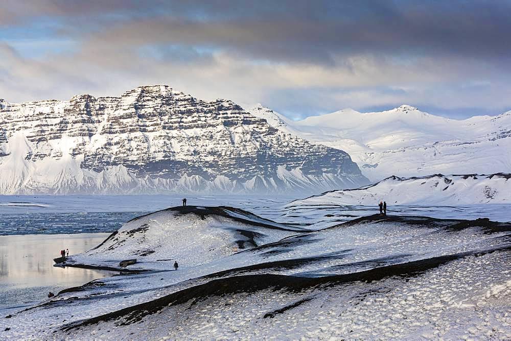 Visitors at the glacier lagoon Joekulsarlon, Vatnajoekull National Park, Southeast Iceland, Iceland, Europe