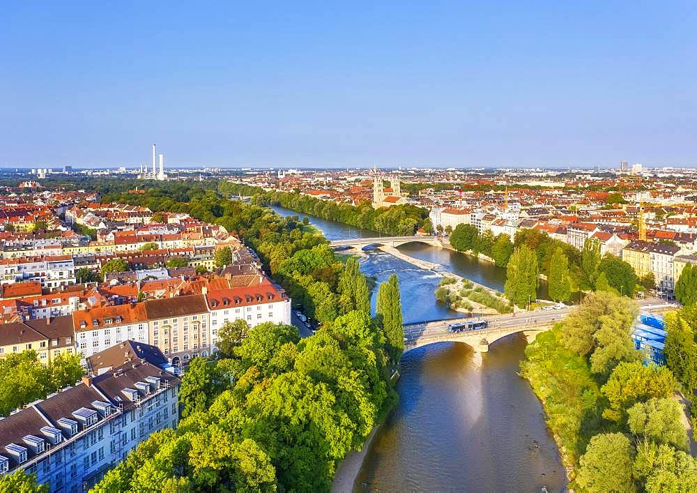 View of the city, Corneliusbruecke and Reichenbachbruecke over the Isar, Maximilianskirche, left district Au, right Isarvorstadt, aerial view, Munich, Upper Bavaria, Bavaria, Germany, Europe