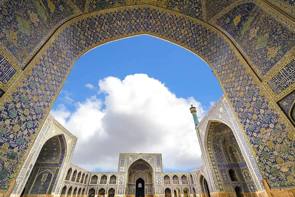 West Iwan arch, Masjed-e Imam Mosque, Maydam-e Iman square, Esfahan, Iran, Asia