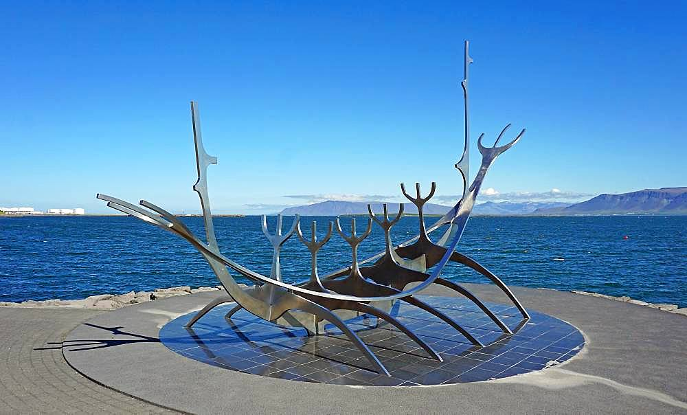 Sculpture Solfar, Solfar, Sunrise, Viking ship of steel, by Jon Gunnar Arnason, Reykjavik, Hoefuoborgarsvaeoio, Iceland, Europe