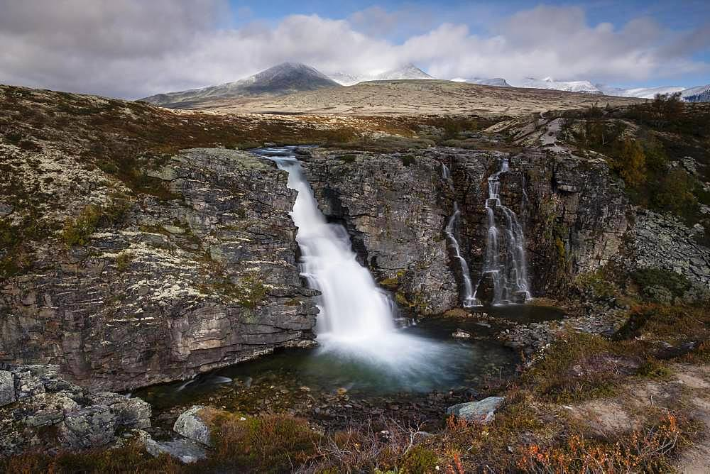 Storulfossen Waterfall, Store Ula River, Autumn, Rondane National Park, Norway, Europe