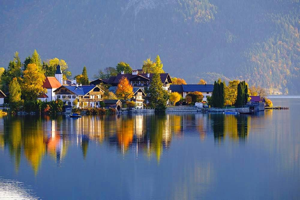 Village Walchensee and Lake Walchensee in the morning light, Upper Bavaria, Bavaria, Germany, Europe