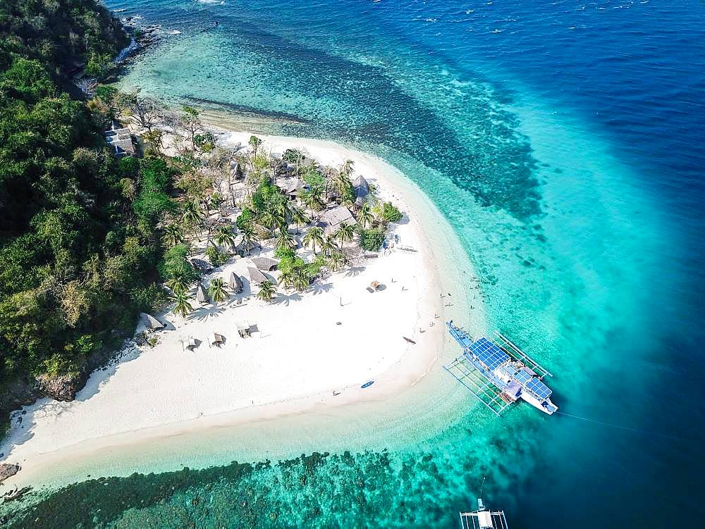 Aerial view, boat at tropical palm island with sandy beach, Naked Island, SIargao, Philippines, Asia
