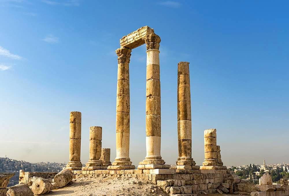 Ruins, columns, temple of Hercules, Amman Citadel, Amman, Jordan, Asia