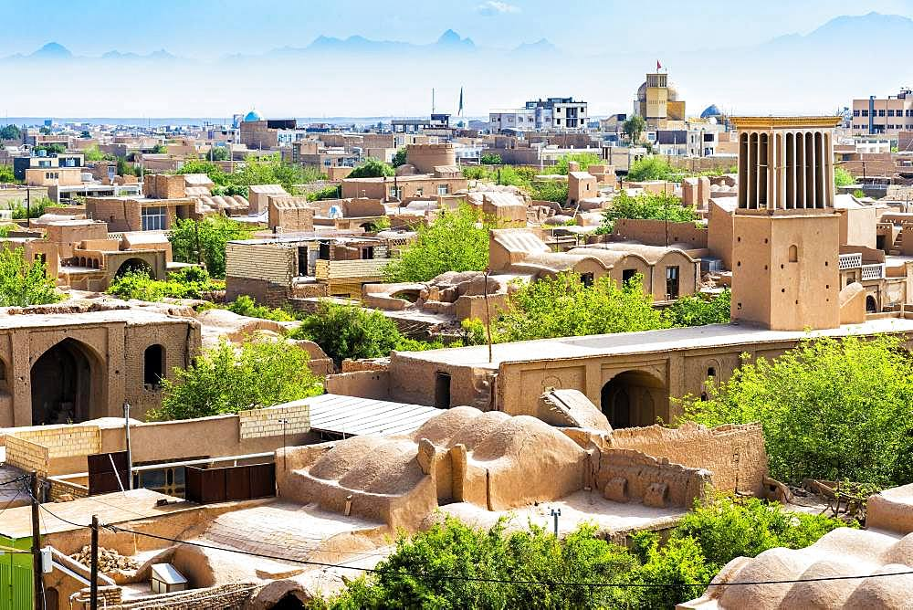Narin Qal'eh ramparts and the city, Meybod, Yazd Province, Iran, Asia