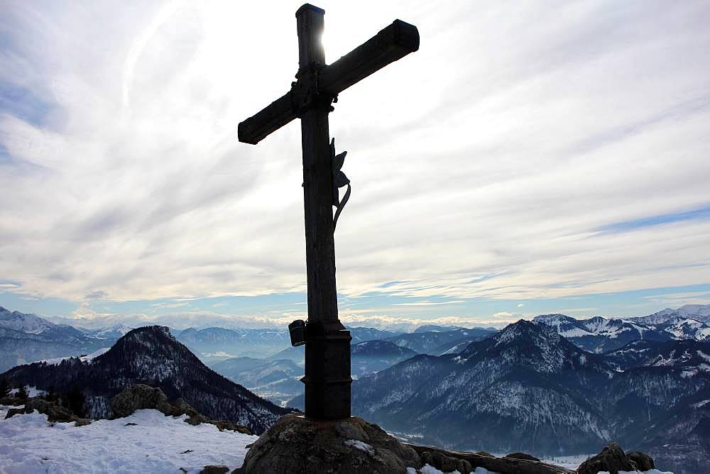 Summit cross at the Heuberg with view of the Inn Valley, Winter, Upper Bavaria, Bavaria, Germany, Europe