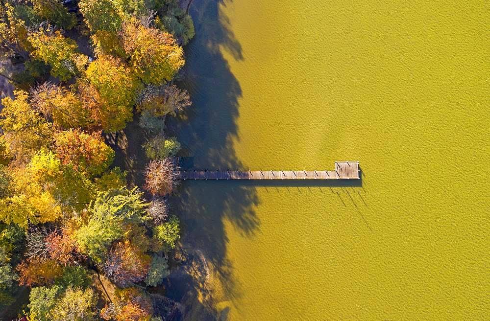 Autumn atmosphere at Lake Starnberg near St. Heinrich, aerial view, Fuenfseenland, Upper Bavaria, Bavaria, Germany, Europe