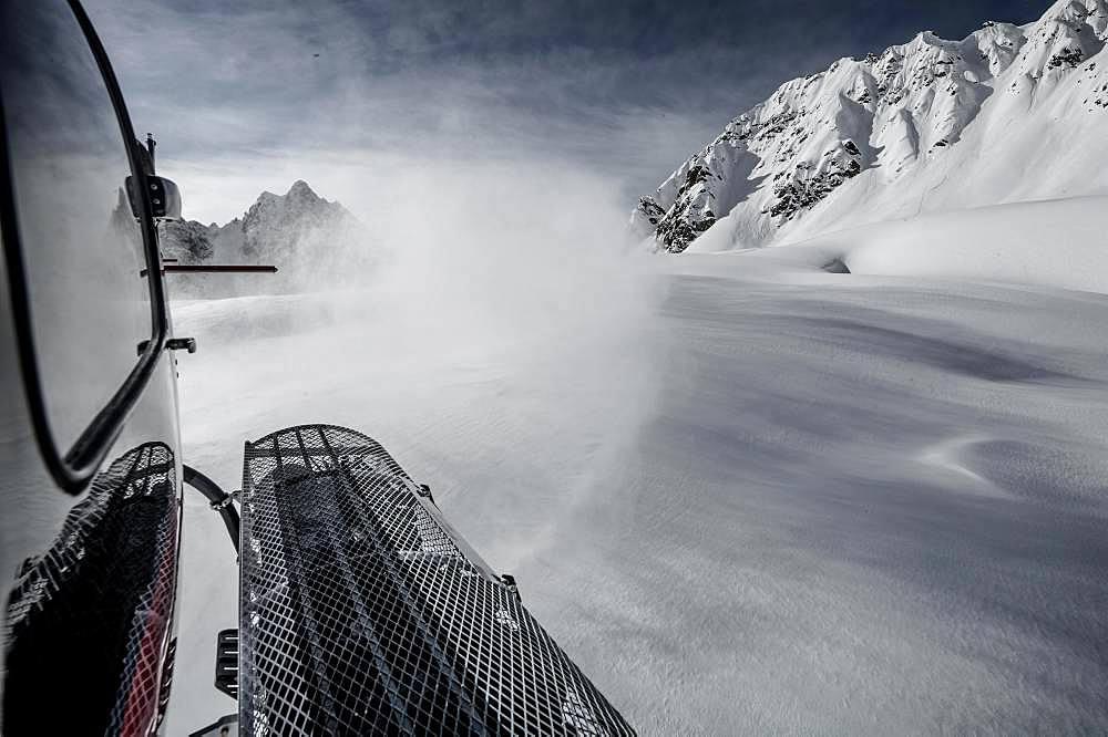 Helicopter Snowboarding, Himalayas, Gulmarg, Kashmir, India, Asia