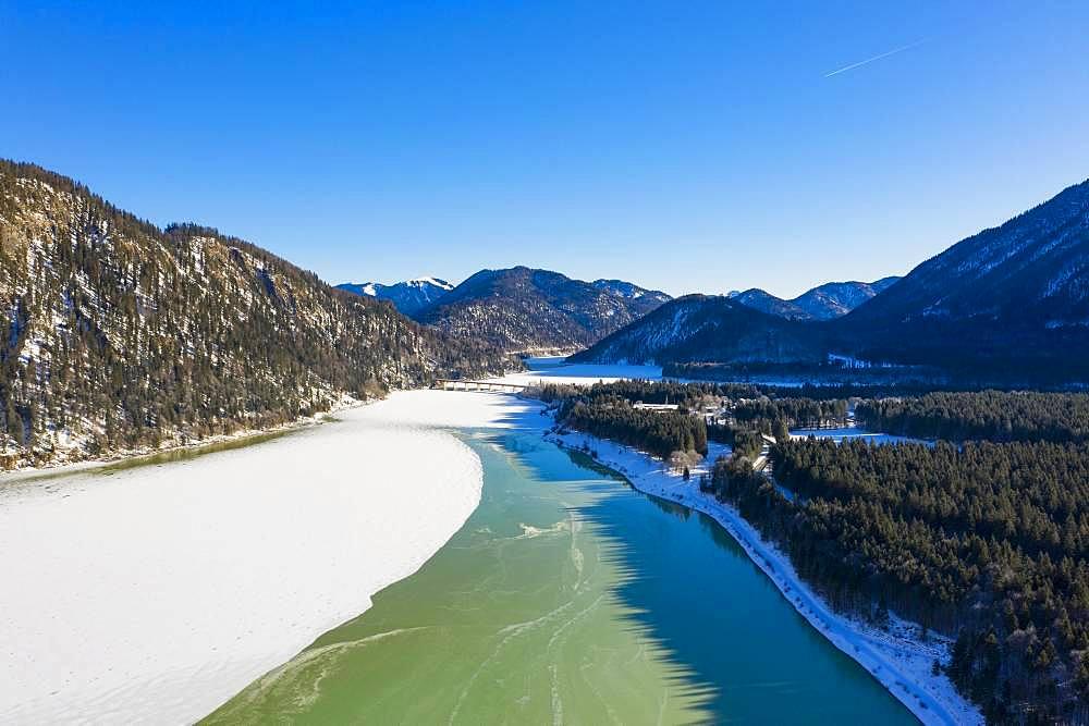 Isar, tributary of the Sylvensteinsee, aerial view, Lenggries, Isarwinkel, Upper Bavaria, Bavaria, Germany, Europe