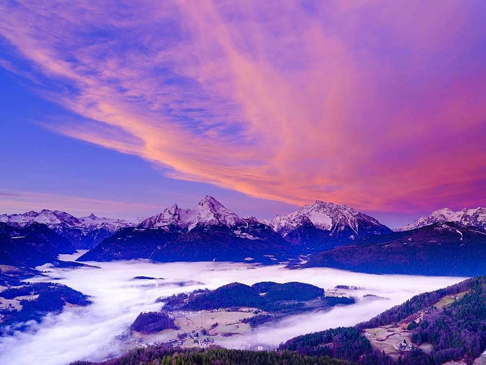 Fog in the valley basin of Berchtesgaden, behind the Steinerne Meer, Watzmann, Hochkalter and Reiteralpe, dawn, winter landscape, Berchtesgaden, Schoenau am Koenigssee, Berchtesgadener Land, Upper Bavaria, Bavaria, Germany, Europe