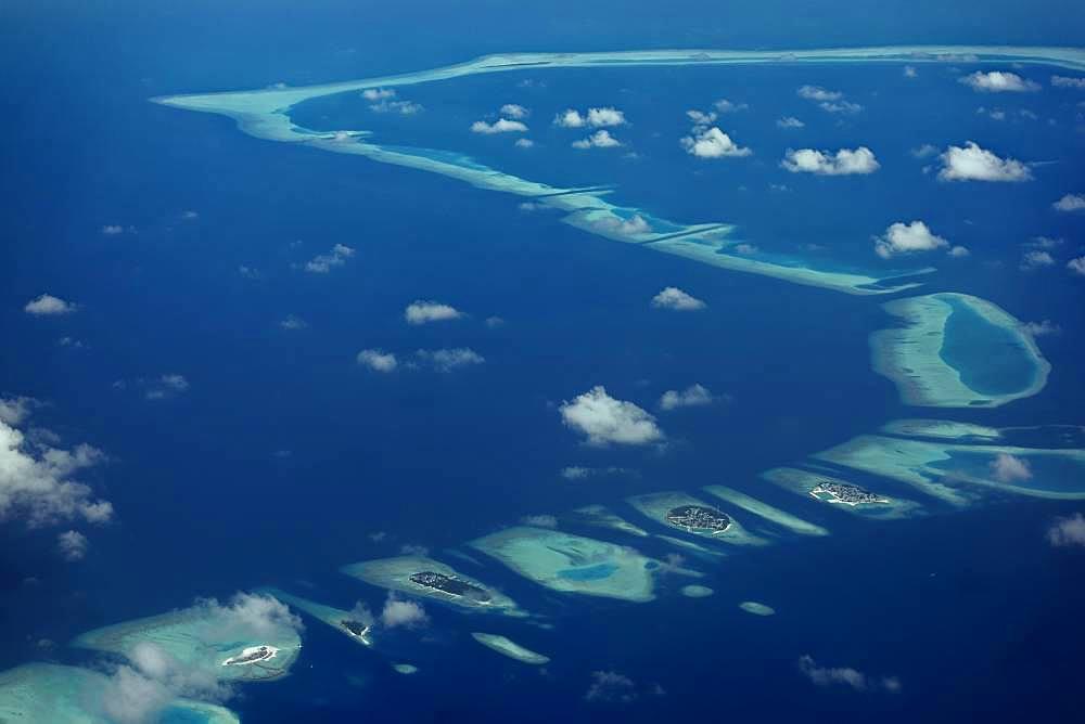 Chain of inhabited islands, from right Keyodhoo, Felidhoo, Thinadhoo, Arah Beach Resort, Vaavu Atoll or Felidhu Atoll, Indian Ocean, Maldives, Asia