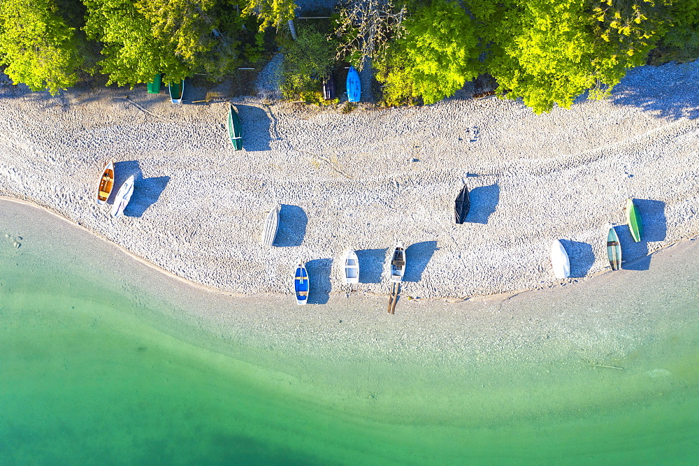 Boats on the south shore of Lake Walchensee from above, near Kochel am See, drone shot, Upper Bavaria, Bavaria, Germany, Europe
