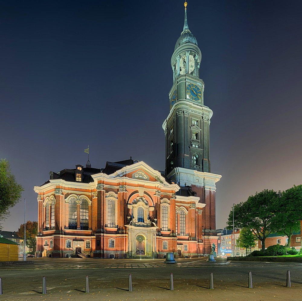 St. Michaelis Church illuminated, Hamburg, Germany, Europe