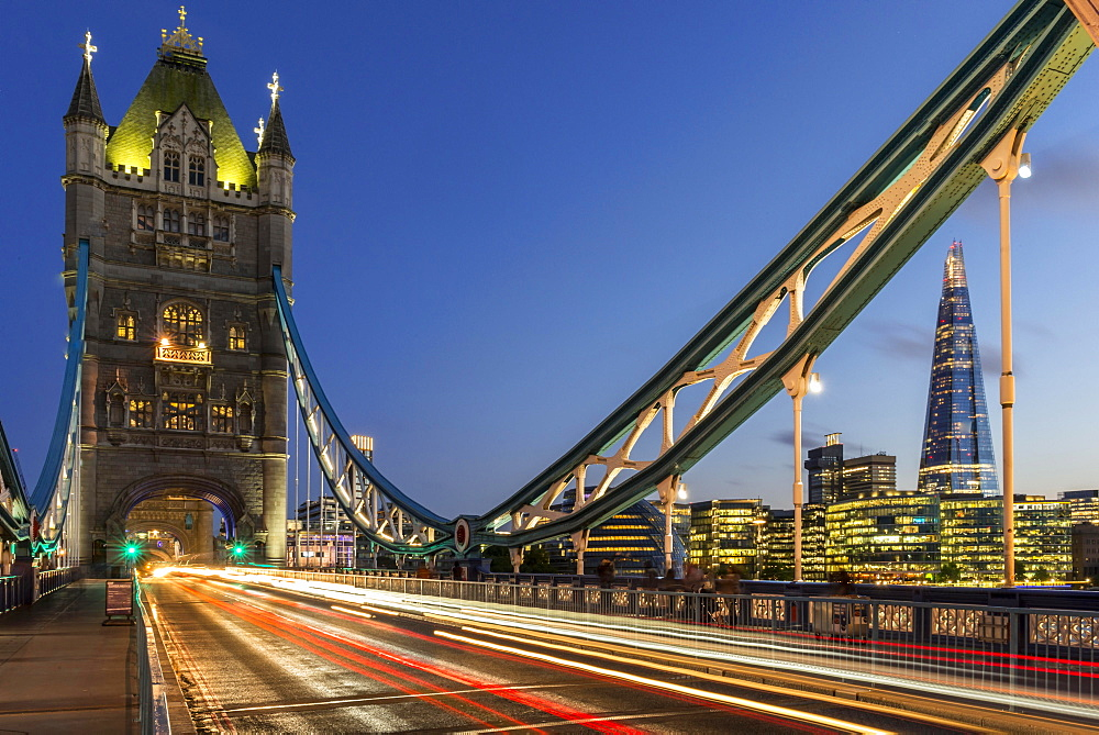 Tower Bridge in the evening, light tracks of passing cars, London, England, Great Britain