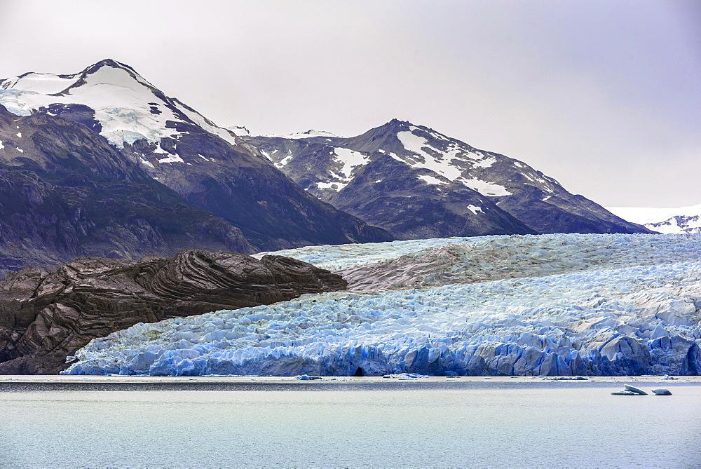The Grey Glacier flows into Lake Grey, Torres del Paine National Park, Patagonia, Region de Magallanes y de la Antartica Chilena, Chile, South America