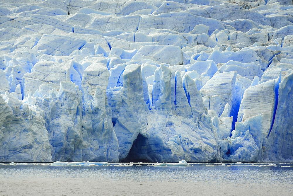 The wall of the Grey Glacier flows into Lake Grey, Torres del Paine National Park, Patagonia, Region de Magallanes y de la Antartica Chilena, Chile, South America - 832-387969