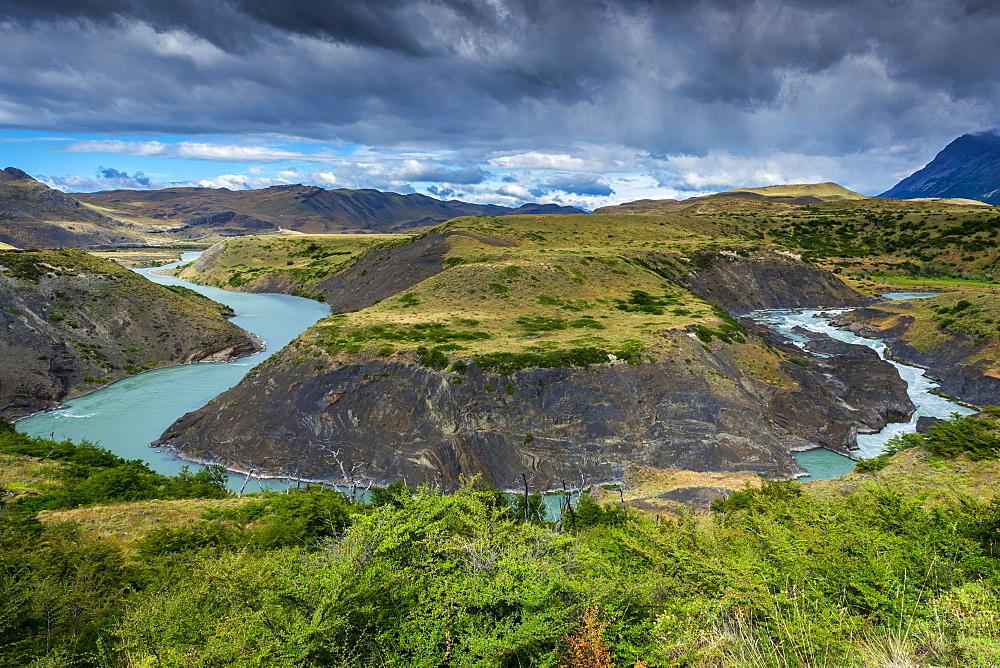 River bend on the Rio Paine river, Torres del Paine National Park, Patagonia, Region de Magallanes y de la Antartica Chilena, Chile, South America