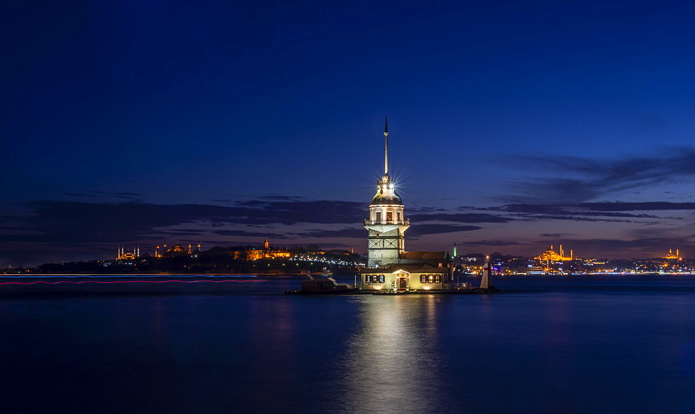 Lighthouse, Leander's Tower or Girls' Tower, Kiz Kulesi, blue hour, island in the Bosporus, Ueskuedar, Istanbul, Turkey, Asia