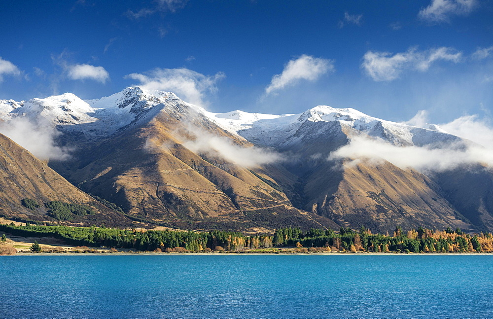 Road to Ohau Skifield, Snowy mountains above Lake Ohau in the Southern Alps of New Zealand, Otematata, Canterbury, New Zealand, Oceania
