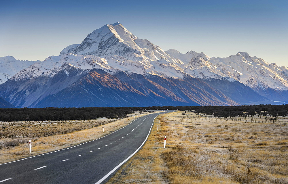 Road to Mount Cook, Aoraki, Mount Cook National Park, Southern Alps, Twizel, Canterbury, New Zealand, Oceania