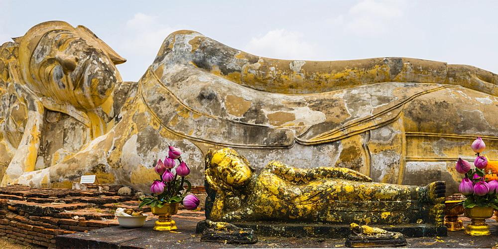Lying Buddha statue, transition to Nirvana, Wat Lokayasutha, Ayutthaya, Thailand, Asia