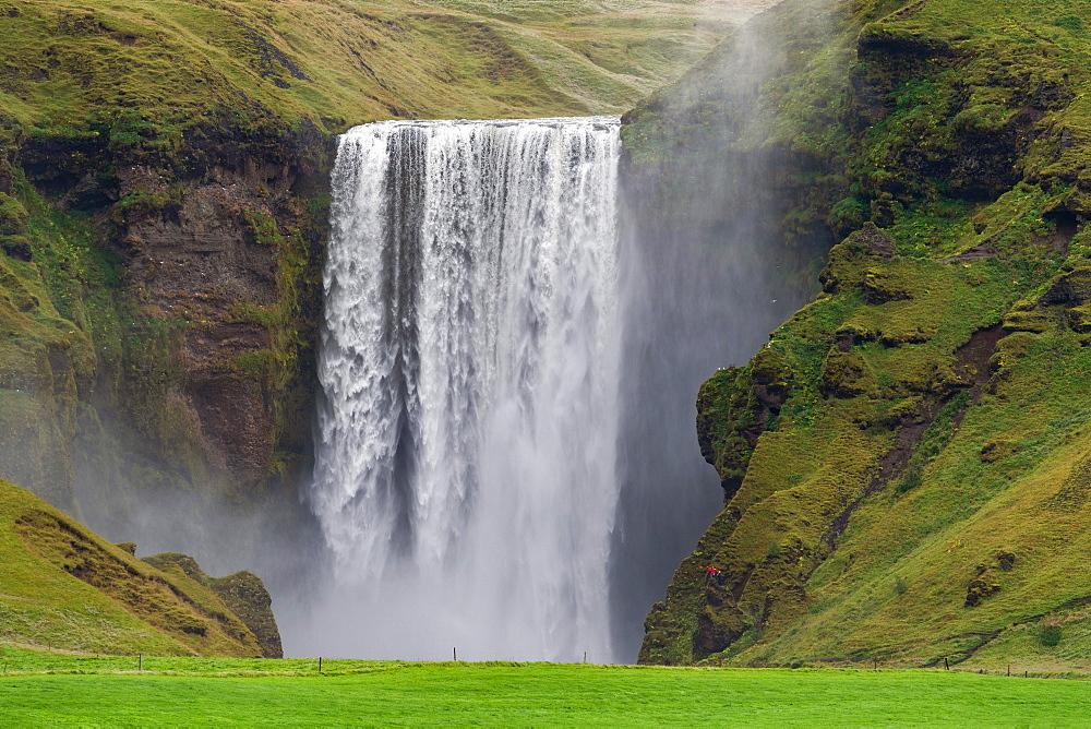 Skogafoss waterfall, Skogafoss, Skogar, ring road, Suourland, Sudurland, Southern Iceland, Iceland, Europe