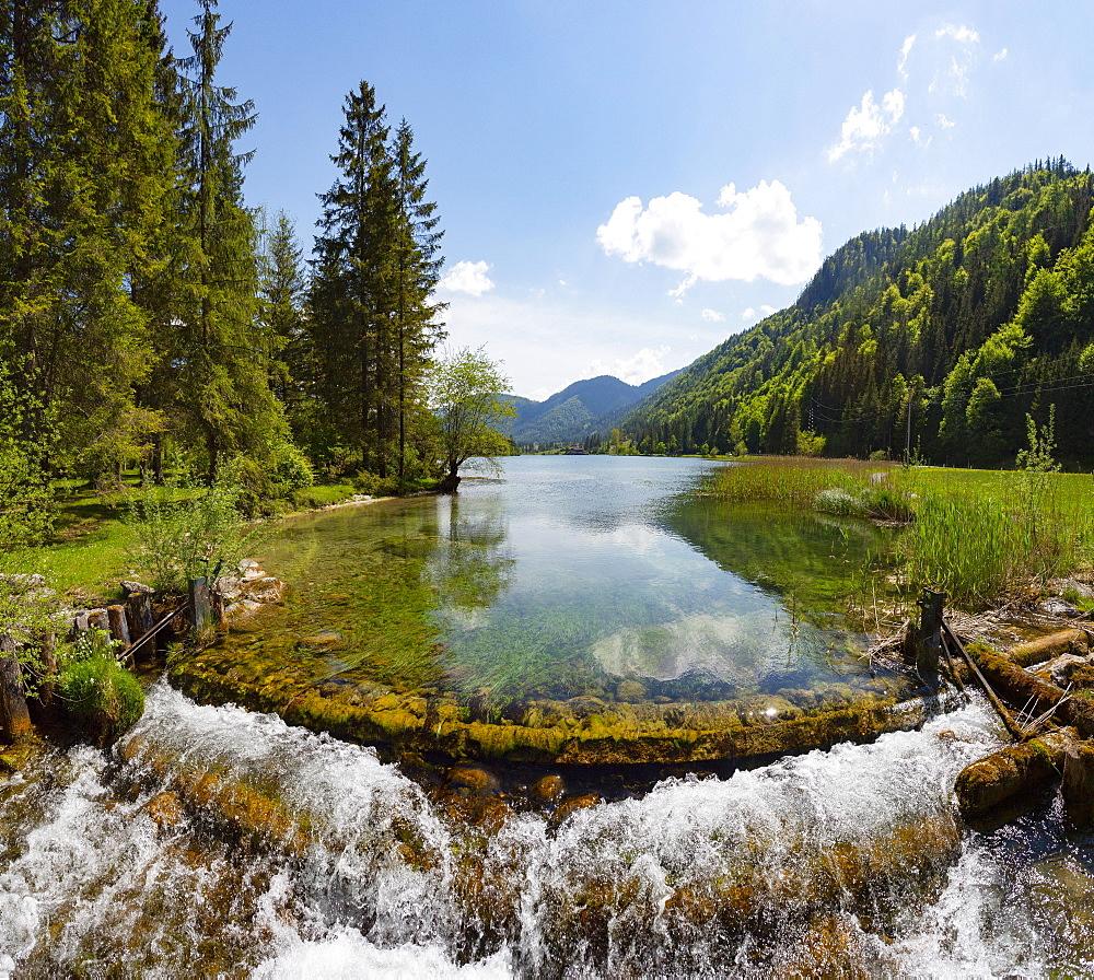 Mountain lake, Pillersee, Sankt Ulrich am Pillersee, Pillerseetal, Tyrol, Austria, Europe - 832-388369