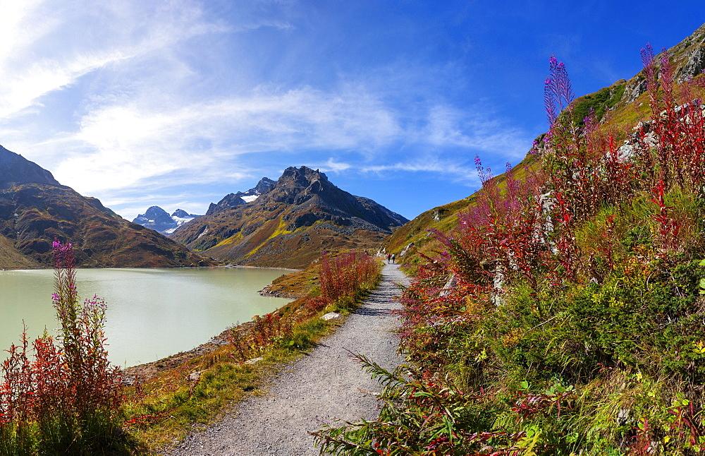 Hiking trail around the lake, Bielerhoehe, Silvrettasee, Silvretta reservoir, Silvretta Group, Vorarlberg, Austria, Europe - 832-388380