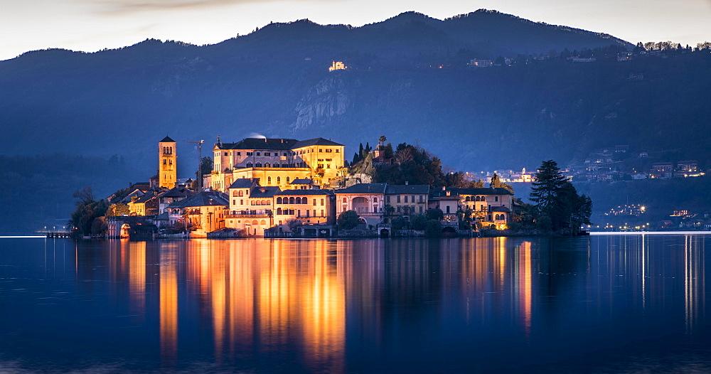 Isola San Giulio in Lake Orta, Orta San Giulio, Lago d'Orta, Province of Novara, Piedmont, Italy, Europe