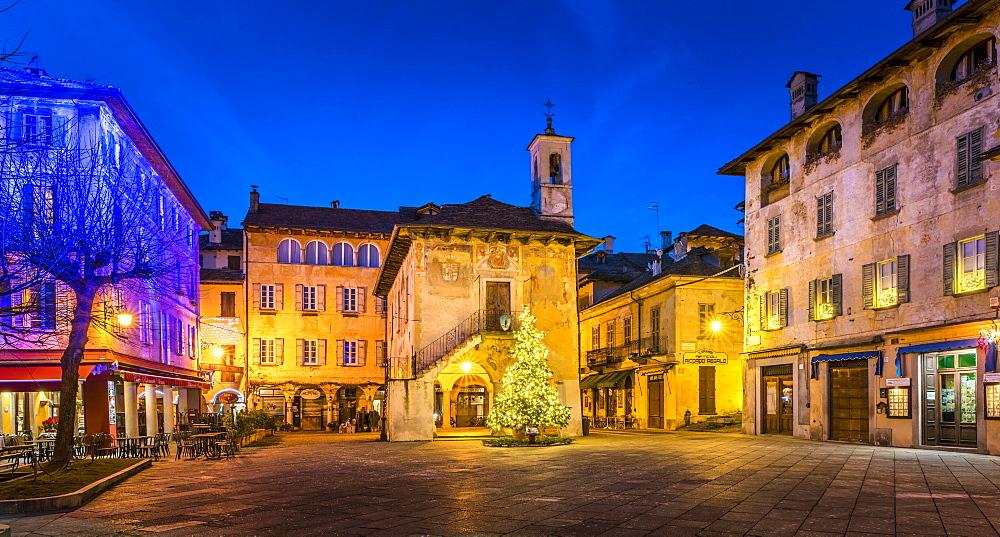 Piazza Motta with the Palazzo Comunale, Orta San Giulio, Lago d'Orta, Province of Novara, Piedmont, Italy, Europe