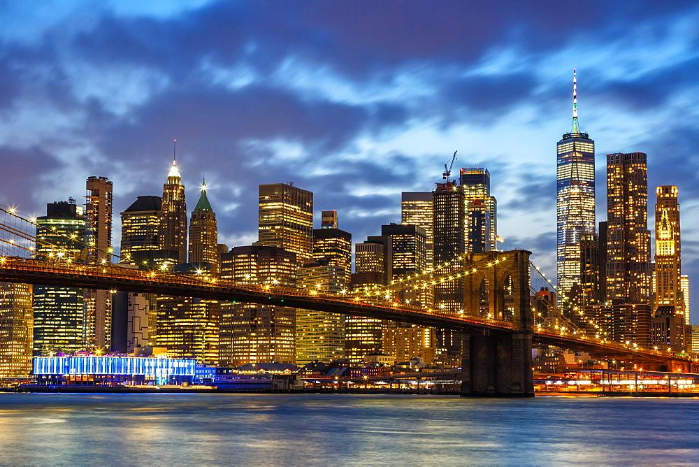 Skyline night city Manhattan Brooklyn Bridge evening America World Trade Center WTC in the, New York City, USA, North America - 832-390448