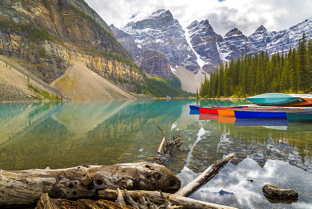Tranquill setting of rowing boats on Moraine Lake, Banff National Park, Canadian Rockies Alberta, Canada, North America - 844-14380