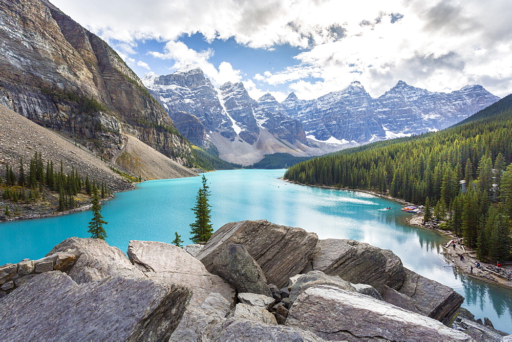 Moraine Lake and the Valley of the Ten Peaks, Rockies, Banff National Park, UNESCO World Heritage Site, Alberta, Canada, North America - 844-14385