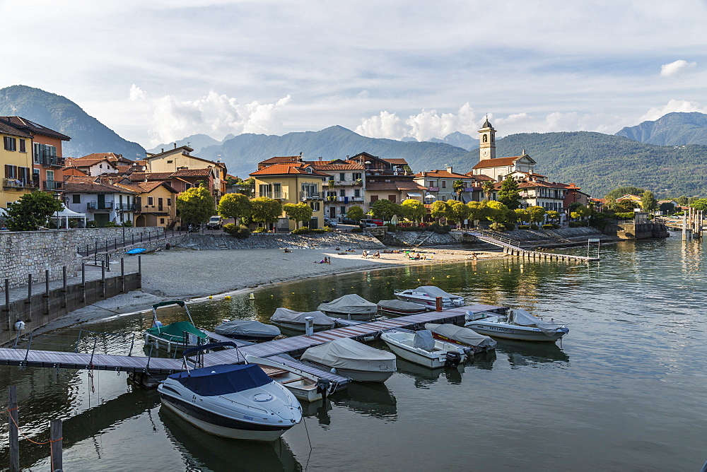 View of Feriolo and boats on Lake Maggiore, Lago Maggiore, Piedmont, Italy, Europe - 844-17873
