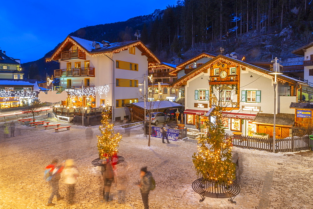 View of Canazei town centre at Christmas, Canazei, Val di Fassa, Trentino, Italy, Europe