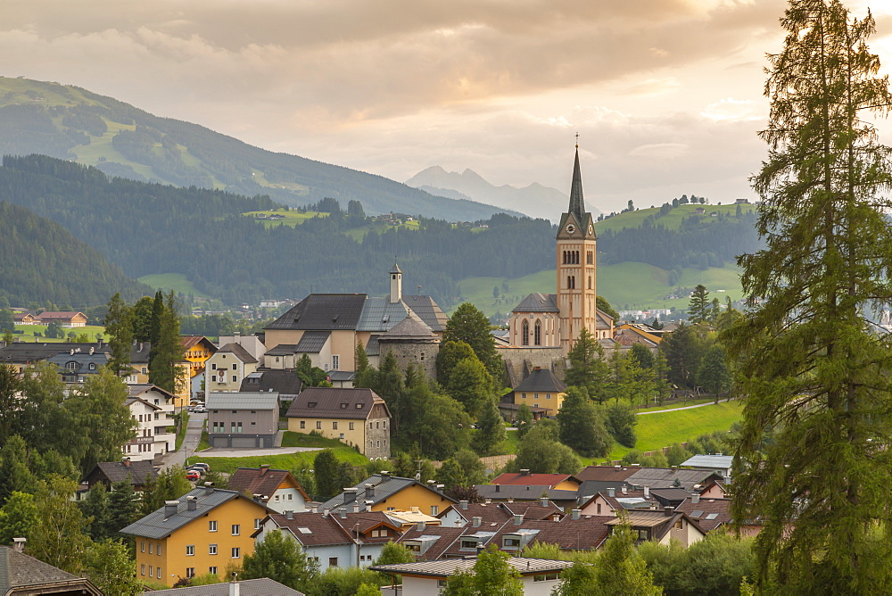 View of Radstadt and church of Maria Unbefleckte Empfangnis, Styria, Austrian Tyrol, Austria, Europe