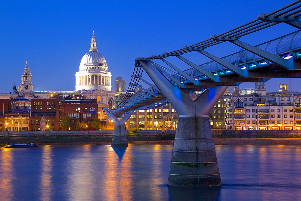 River Thames, Millennium Bridge and St. Paul's Cathedral at dusk, London, England, United Kingdom, Europe  - 844-2128