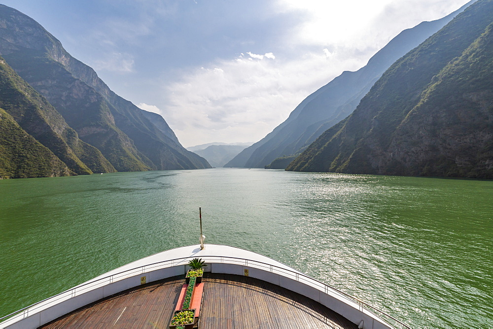 View onboard cruise ship of the Three Gorges on the Yangtze River, People's Republic of China, Asia