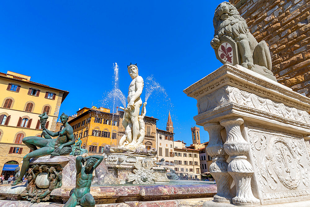 View of Neptune Fountain in Piazza Signoria, Florence, UNESCO World Heritage Site, Tuscany, Italy, Europe