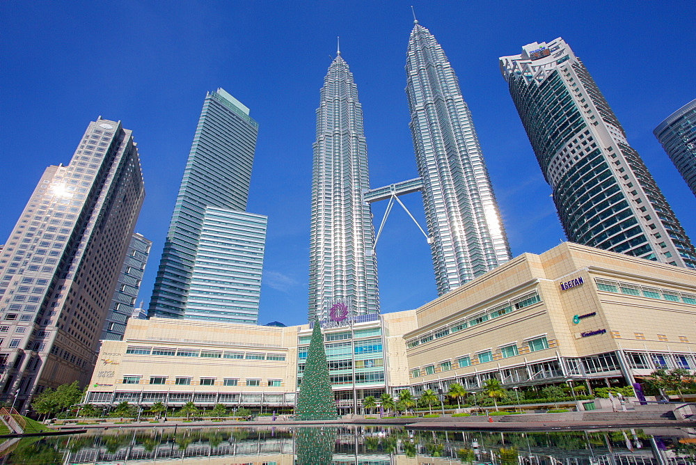 Petronas Twin Towers, Kuala Lumpur, Malaysia, Southeast Asia, Asia