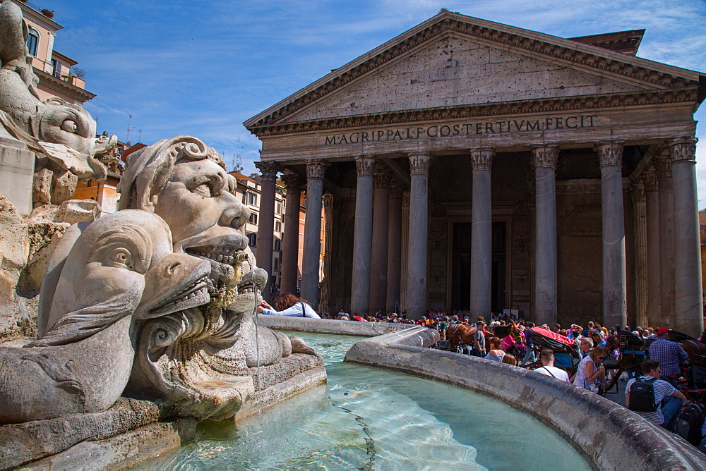 Piazza Della Rotonda and The Pantheon, UNESCO World Heritage Site, Rome, Lazio, Italy, Europe