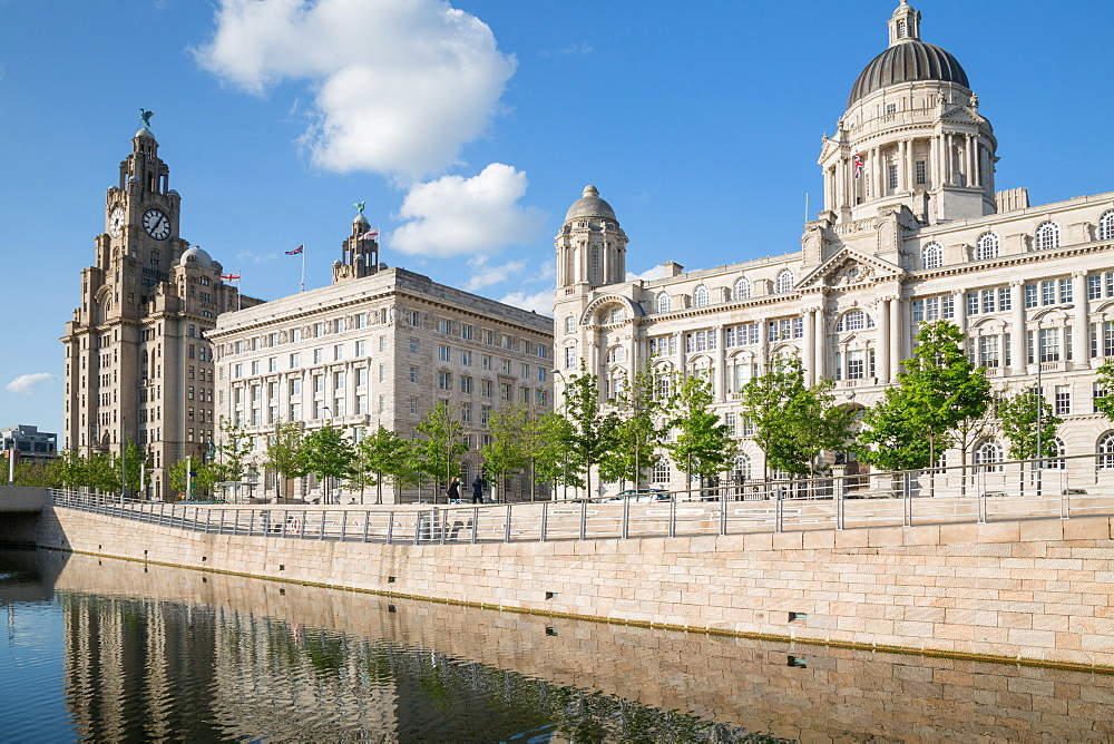 Royal Liver Building, Cunard Building and Port of Liverpool Building, UNESCO World Heritage Site, Liverpool, Merseyside, England, United Kingdom, Europe